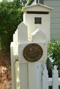 Randell gate post