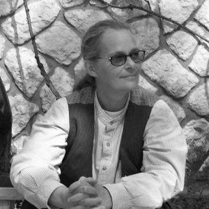 Photo of Jennifer Compton